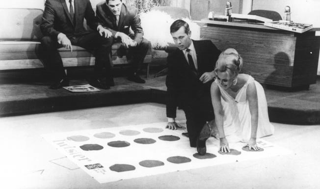 Die Tonight Show mit Eva Gabor und Johnny Carson (Quelle: history.com)